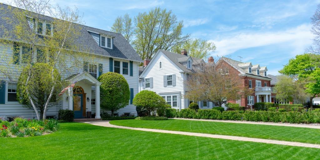 houses with beautiful curb appeal