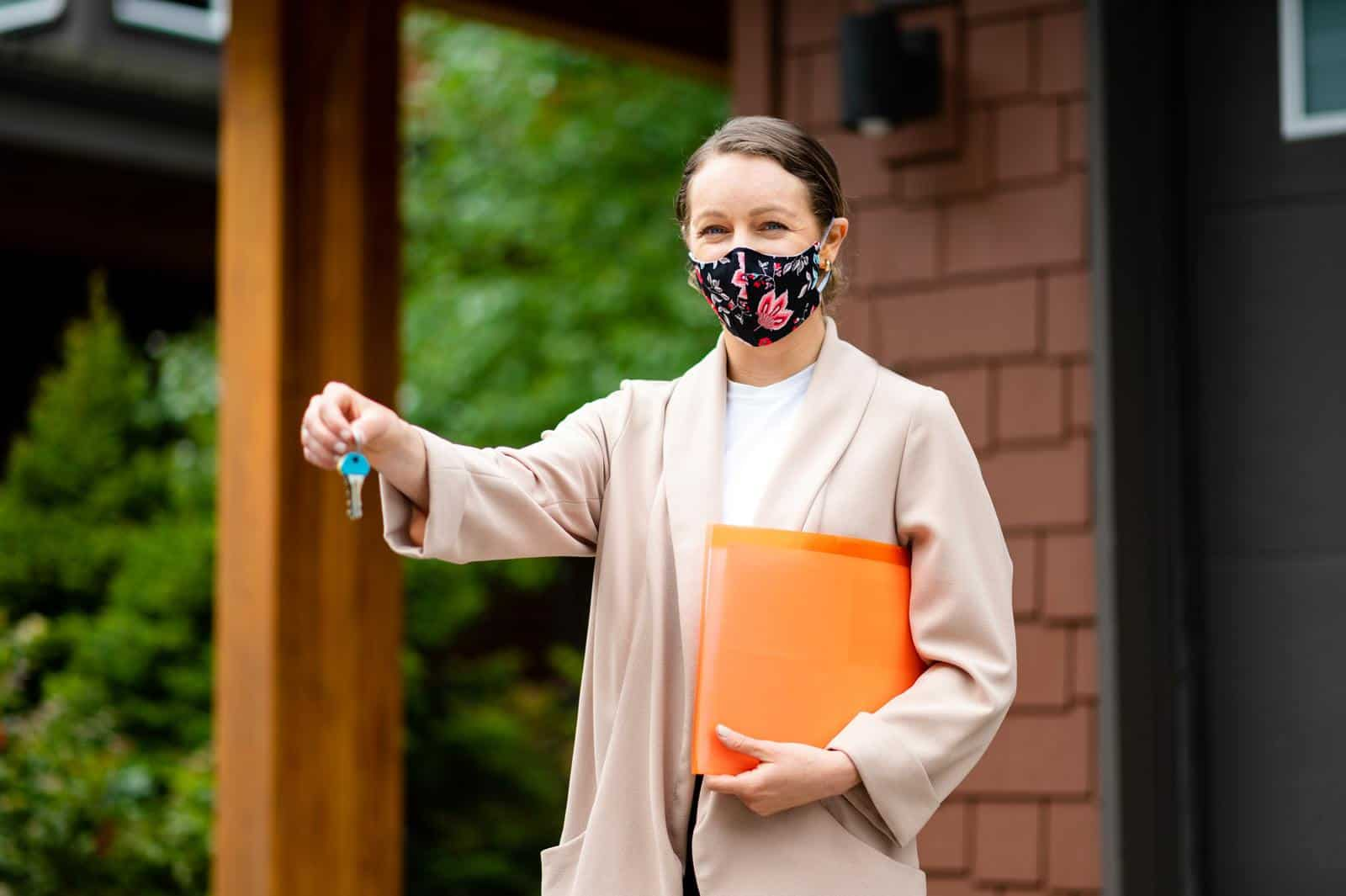 real estate agent wearing covid mask
